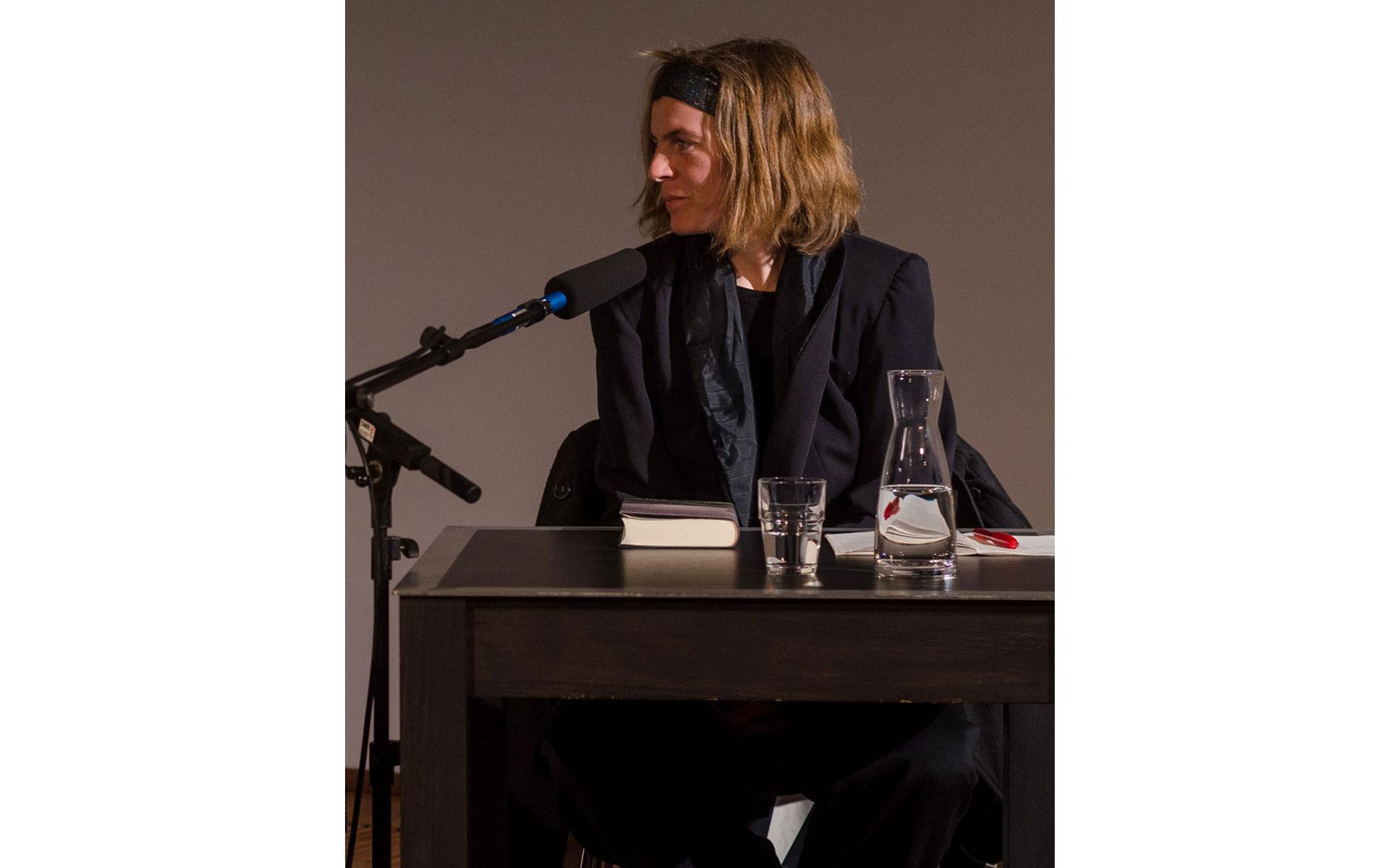 Ann Cotten: Lyophilia <br/>(c) Simon Adolphi