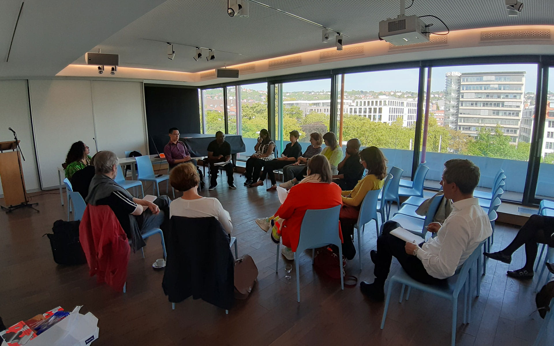 Offene Gesprächsrunden für Wissenschaftler*innen, Denker*innen und Künstler*innen <br/>(c) Lemia Bodden