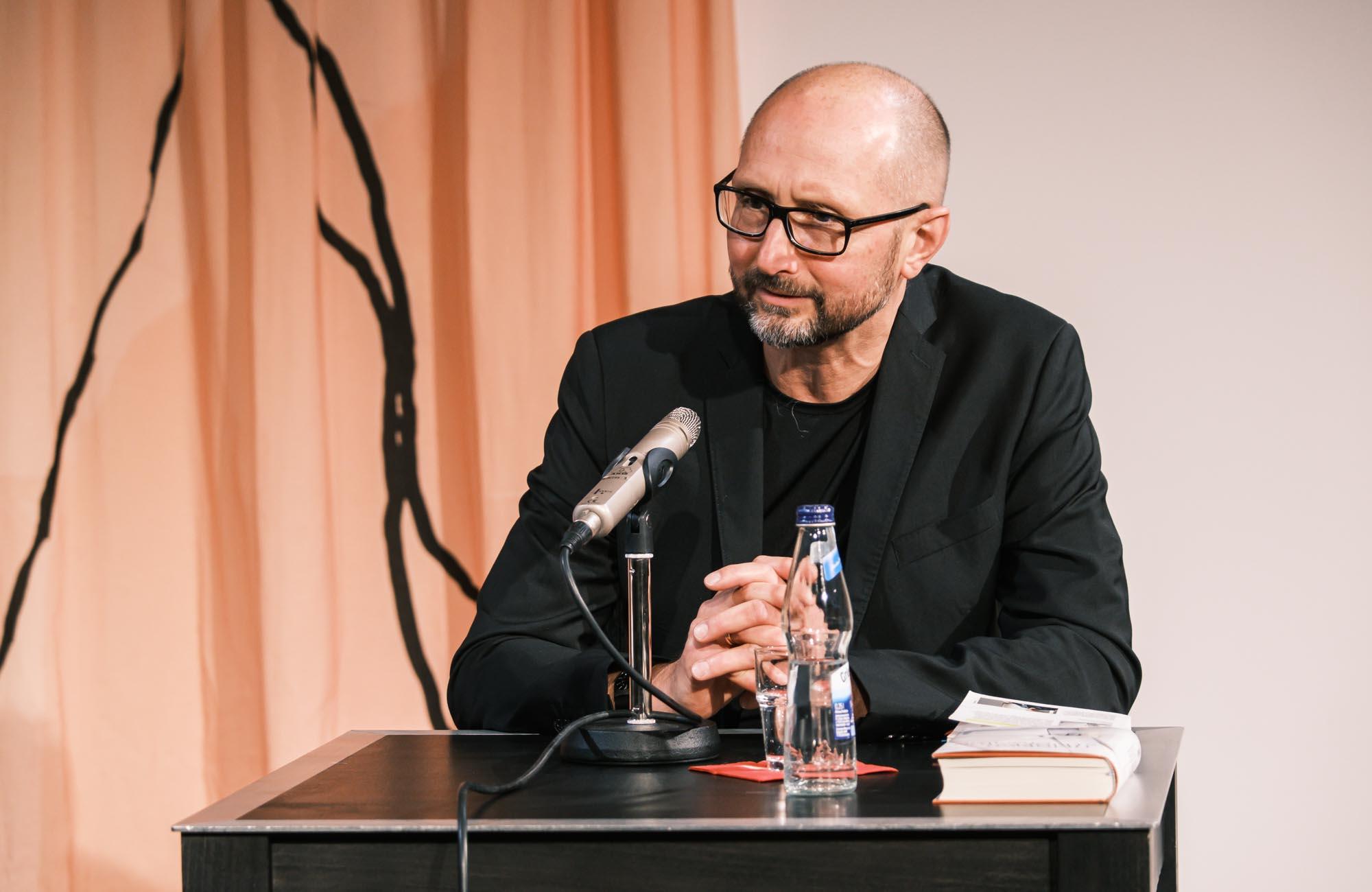 Heinrich Steinfest: Der Chauffeur <br/>(c) Sebastian Wenzel