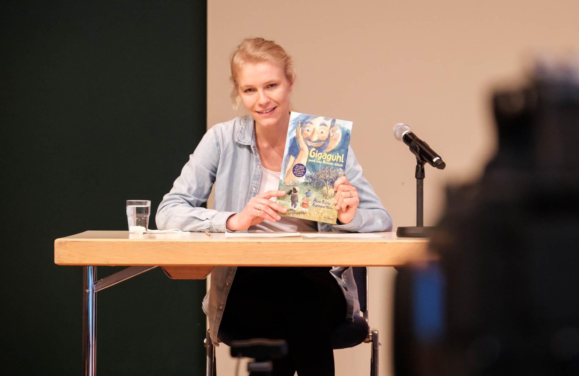 Alex Rühle, Barbara Yelin: Gigaguhl und das Riesen-Glück <br/>(c) Sebastian Wenzel