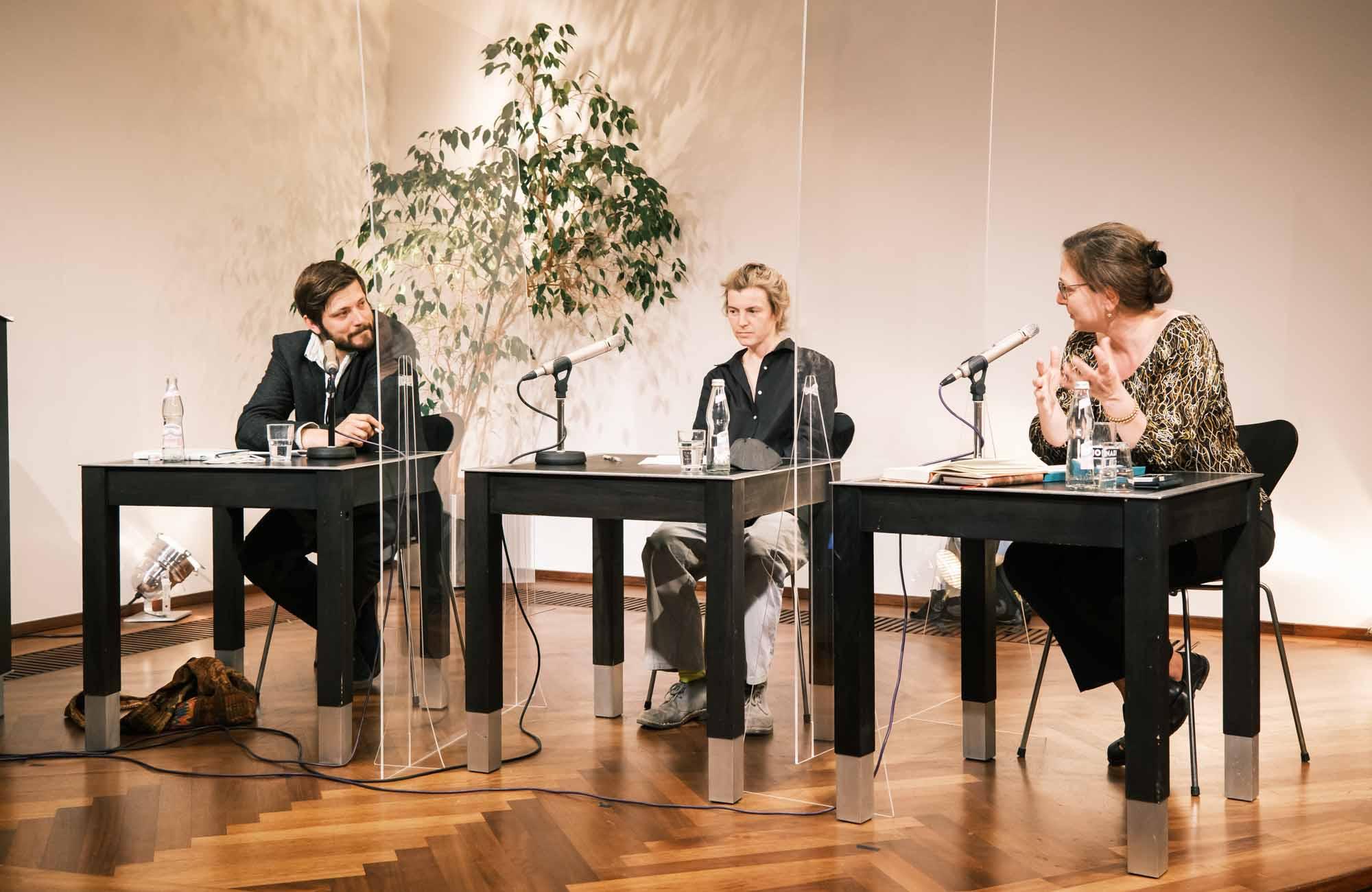 Joseph Vogl, Anne Applebaum, Ruth Wodak, Henning Lobin, Alexandru Bulucz, Ann Cotten: LOSGESAGT! <br/>(c) Sebastian Wenzel