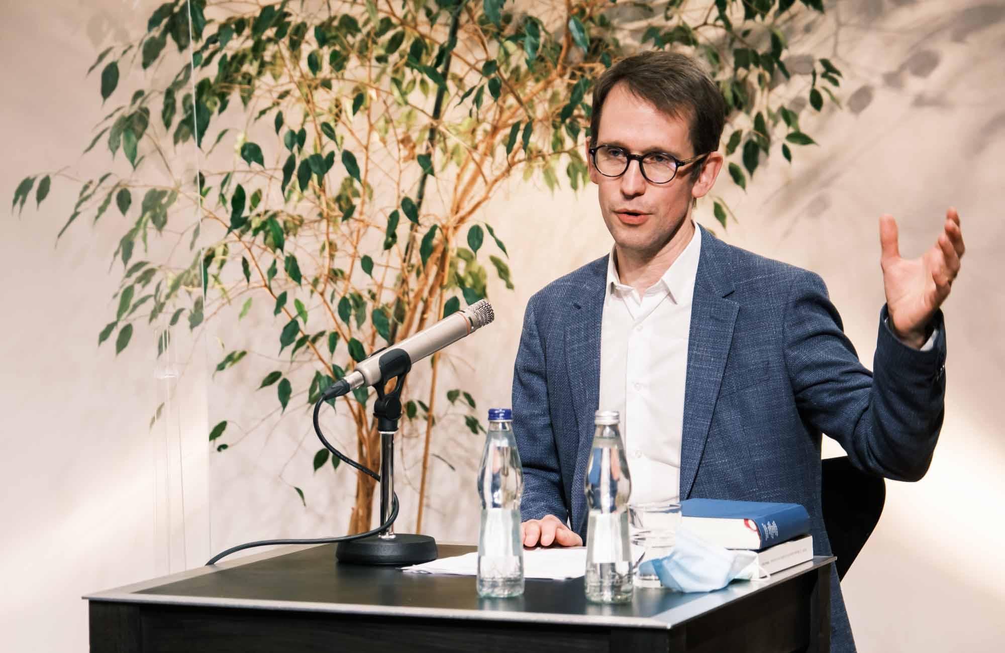 Mathias Enard: Das Jahresbankett der Totengräber <br/>(c) Sebastian Wenzel