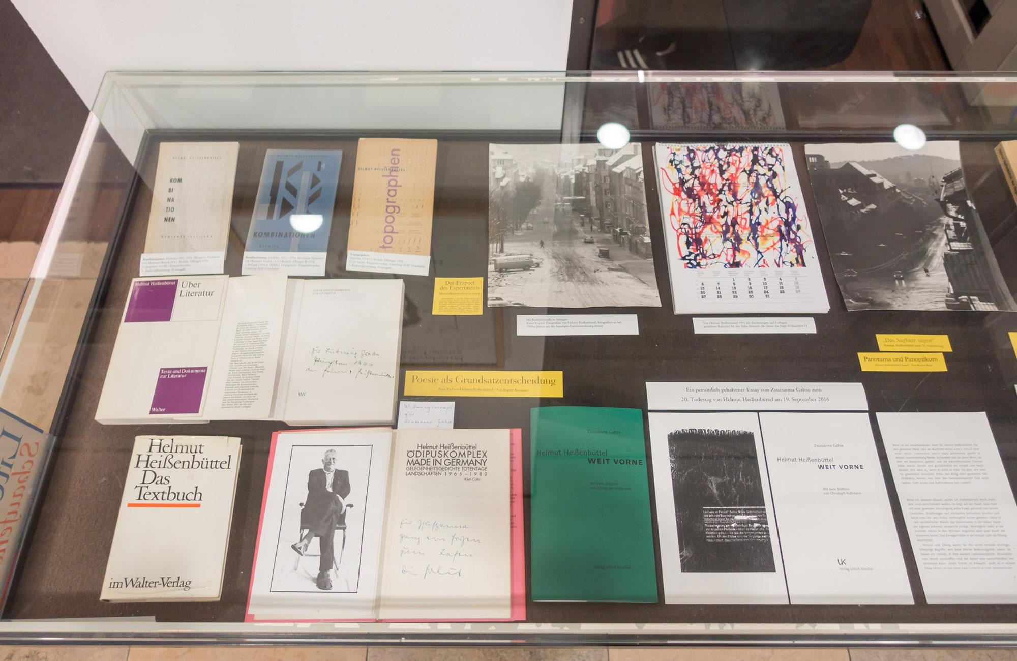 Nr. 8: Literatur Schaufenster. Bücher & Autoren, die wir nicht vergessen wollen,                                                                                                                                              Sonntag, 18.09.16                      -                          Donnerstag, 03.11.16                                                                               <br/>(c) Sebastian Wenzel