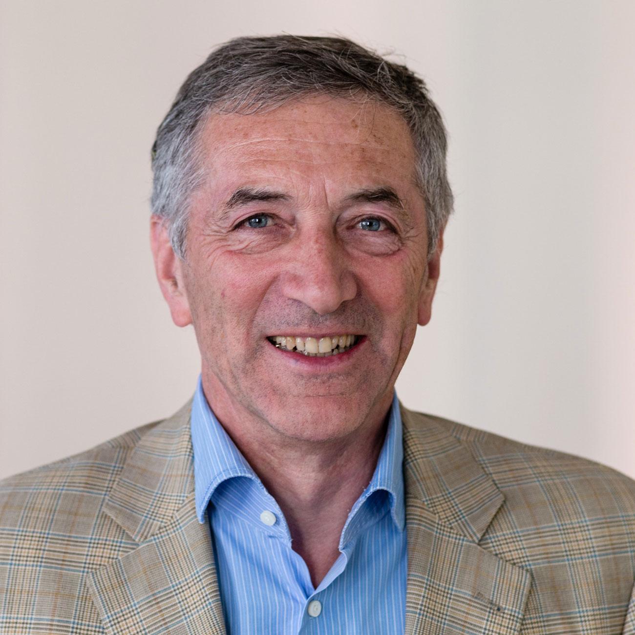 Dr. Frieder Stein