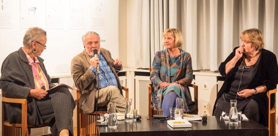 György Dalos, Dubravka Ugresic, Ellen Bos: Think change: Intellektuelle und Widerstand <br/>(c) Sebastian Wenzel