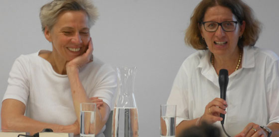 Joanna Bator, Esther Kinsky: Von Großmüttern, Müttern und Töchtern,                                                               Dienstag, 03.07.18               /                   20.00              Uhr                               <br/>(c) Heiner Wittmann