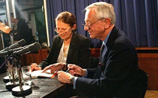 Louis Begley, Anka Muhlstein: Mit der Kunst im Bunde III,                                                               Montag, 26.05.03               /                   20.00              Uhr                               <br/>(c) Heiner Wittmann