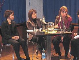 Thorsten Becker, Emine Sevgi Özdamar, Yesim Dorman, Friederike Groß: Deutsch-türkische Literaturnacht 2005, Mittwoch, 23.11.05               /                   19.00              Uhr <br/>(c) Tilman Eberhardt