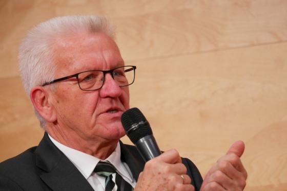 Jean-Luc Nancy, Winfried Kretschmann: Auf der Suche nach einer Kultur des Friedens., Mittwoch, 21.11.18               /                   19.00              Uhr <br/>(c) Heiner Wittmann