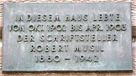 Karl Corino: Robert Musil in Stuttgart <br/>(c) Heiner Wittmann