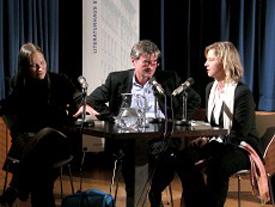 Tanja Dückers, Verena Carl: Stadt Land Krieg, Montag, 22.11.04               /                   20.00              Uhr <br/>(c) Heiner Wittmann