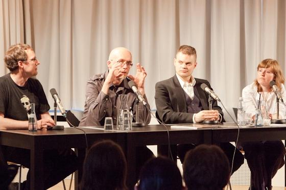 Bernd Perplies, Felix Mertikat, Verena Klinke, Alex Jahnke: Schwerpunkt Steampunk, Sonntag, 08.07.12               /                   16.00              Uhr <br/>(c) Sebastian Becker